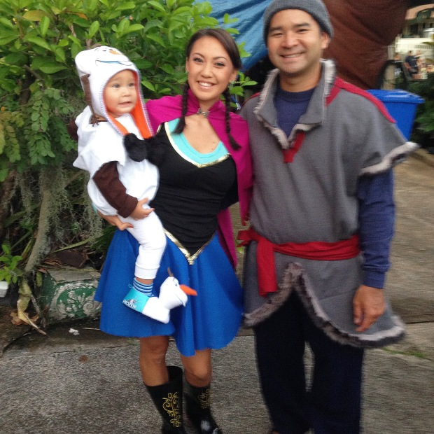 DIY Halloween Costumes -- Frozen Themed Costumes -- Olaf, Anna, and Kristoff -- Inspirealoha.net